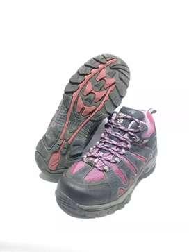 Sepatu outdoor Ternua