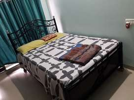4 x 6 Queen size bed with  Mattress