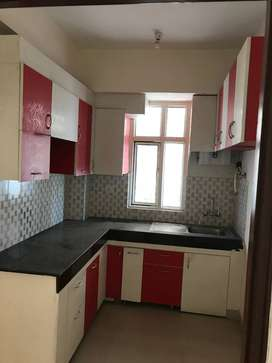 3bhk +2toilet semi furnished to shri radha sky garden