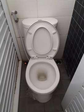 Jasa pembersihan toilet