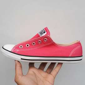 Sepatu Converse Chuck Taylor Wanita Pink Size 37.5