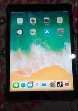 Apple ipad  32gb mint condition.