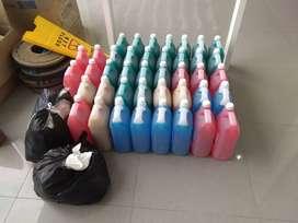 Penjaga Toko Alat Kebersihan
