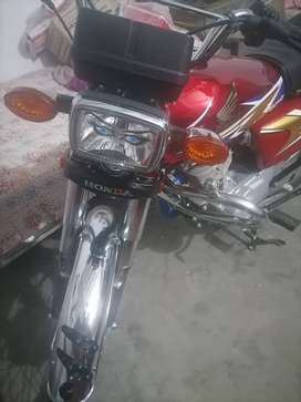 125 hunda new condition 4055 chala huwa hai