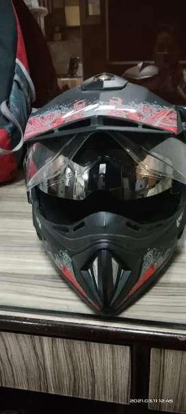 Helmet (cumpny ) vega 7 day's old very good condition