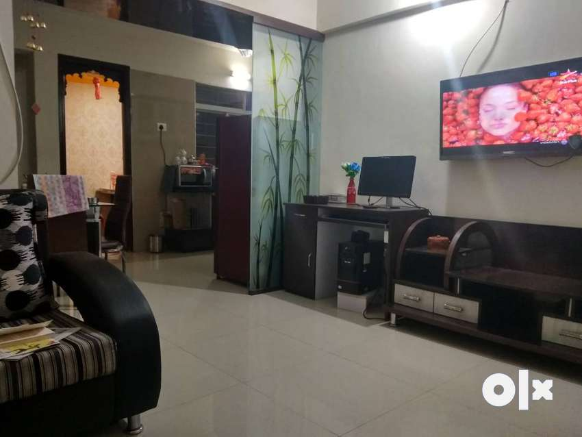 PG on rent well furnished flat with all facilities 0