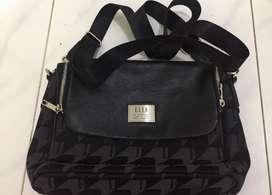 Elle Sling Bag (Black)