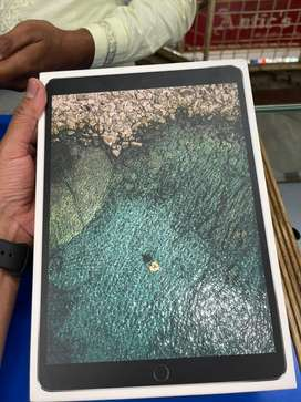 Ipad pro 10.5 inch 256gb wifi .  All working condition