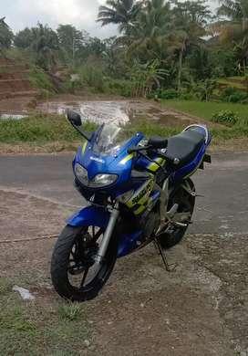 Suzuki FXR150 2002
