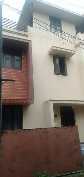 Working women hostel available