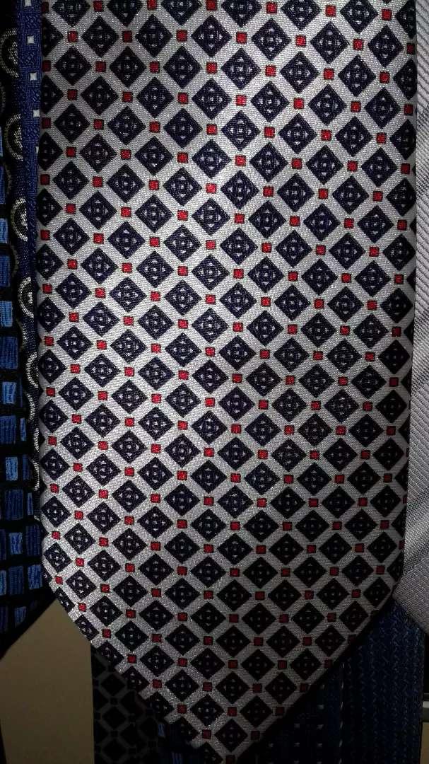 Dasi biru silver titik merah 0