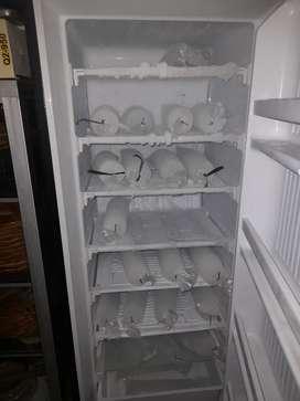 Dijual Freezer Es Batu 7 Rak Merek Sanken Rp.1.750.000 Nego
