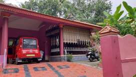 Pullad. Chaluvadhikel 13 cent. House 4 bedroom, 3