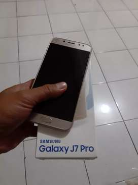 Samsung J7 Pro. 3/32, noken, fullset ori min headset.