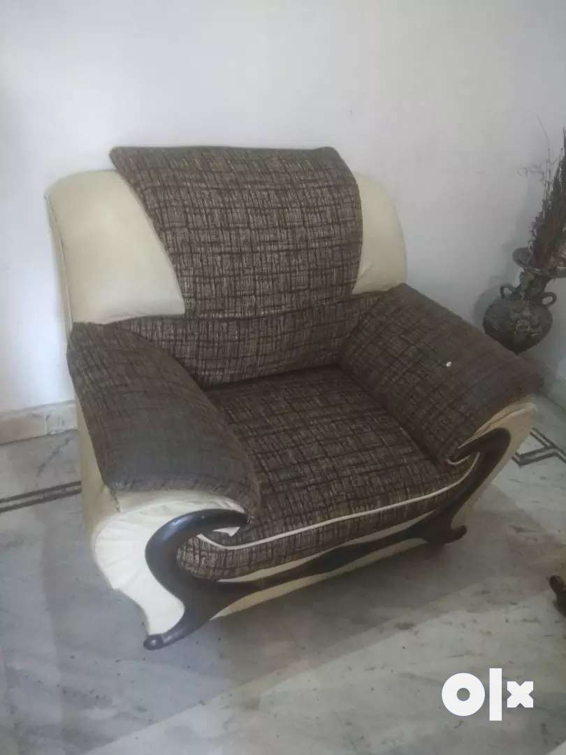 Sofa 5 seater in good condition 0