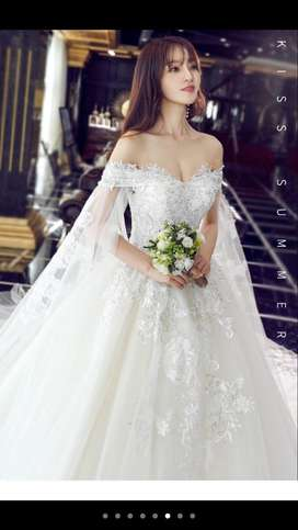 wedding dress model sabrina