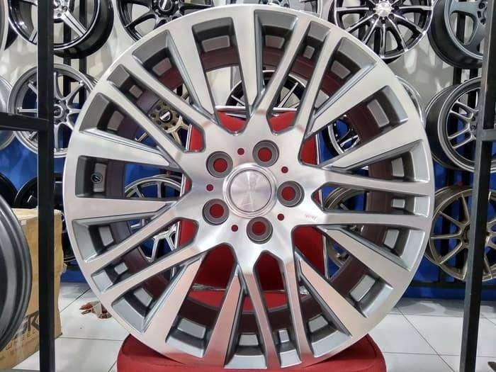 Velg Mobil Ring 18 AKITA Silver H5x114,3 Buat Optima HRV 0