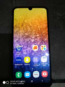 I'm sell samsung A50 4 month old