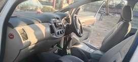 Toyota Innova 2014 Diesel 150000 Km Driven
