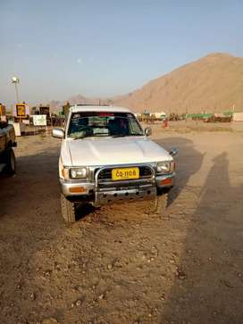 Toyota hilux 4×4 for compny rent