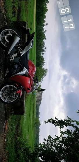 Honda CBR 250R ruby red in excellent condition