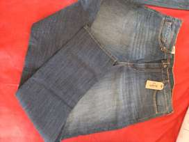 Levis original jeans and t shirts availble for sale