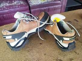 Sepatu Caterpillar orisinil