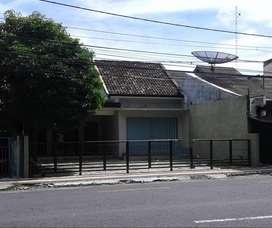 Rumah Tepi Jalan Utama Cocok Usaha dkt Tugu Jogja & Kampus UGM