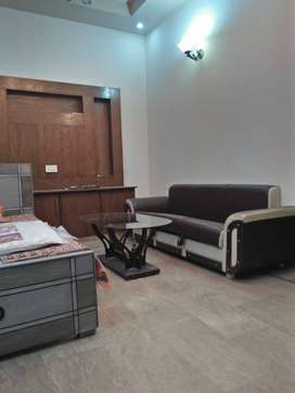 Furnished bedroom Daily &weakly monthly basis for rent available in jo