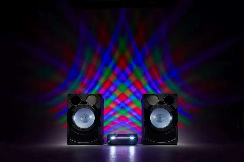 SONY SHAKE-70D HIGH POWER AUDIO SYSTEM WITH DVD 0