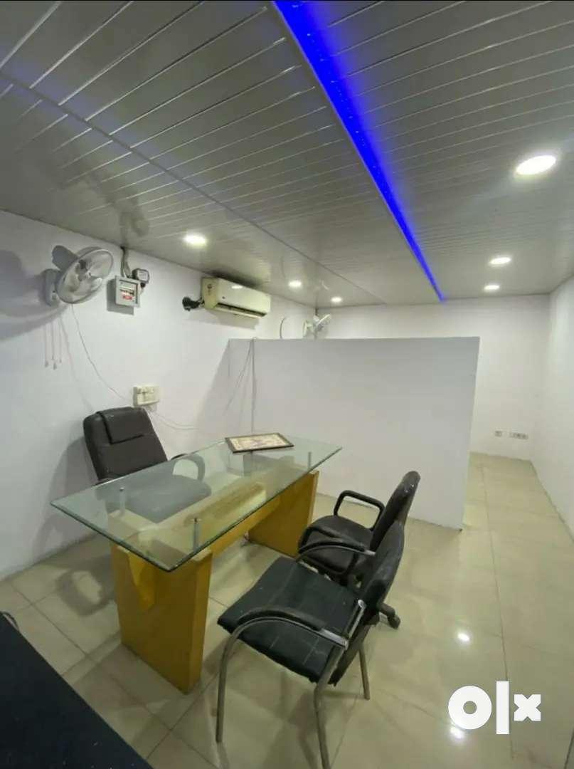 240sqft furnish office gill road near vishvakarma chownk