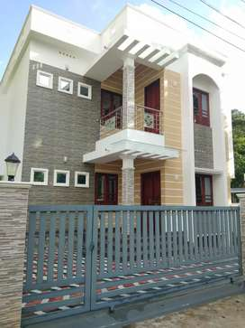 4 cent 1700 sqft 4 bhk new build house at varaopuzha town near