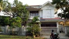 Dikontrakkan rumah 2 lantai  6 KM, 6 KT