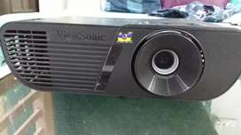 Projector in excellent condition