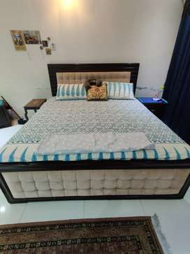 King Size Bed with 2 Side Tables and 1 Dressing Table