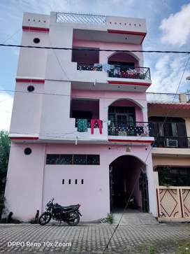 Spacious 2 rooms Set in good locality