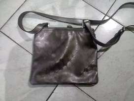 Sling bag merk Gucci original