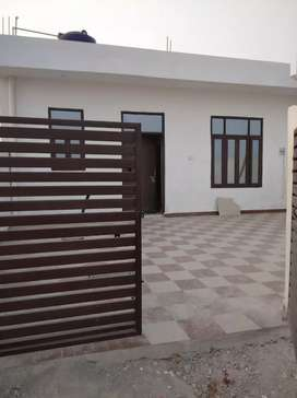 turant position 2 BHK house available near banthra Market
