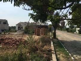 plot to sell in Amrit Vihar in Prime Location