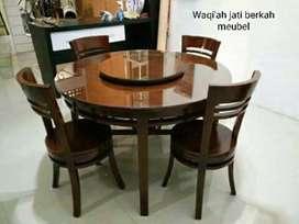Meja makan cantik bundar minimalis putar ( K. 4) bahan kayu jati asli