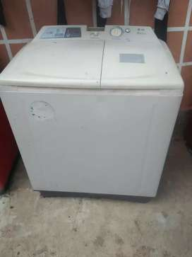 LG Semi automatic washing machine in well condition