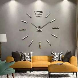 Jam dinding besar garis