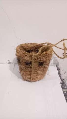Pot anyam serabut kelapa