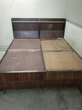 Full bed wooden