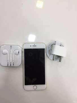 I PHONE 6 32GB GOLD COLOUR BRAND NEW WITH WARRANTY