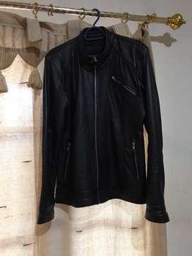Dijual jaket kulit wanita