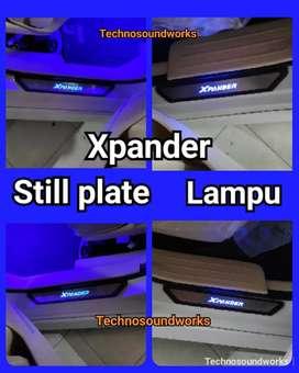 Xpander still plate berlampu isi 4 pcs unit saja harga grosir