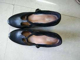 High Street Branded footwear