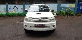 Toyota Fortuner 3.0 4x4 MT, 2010, Diesel