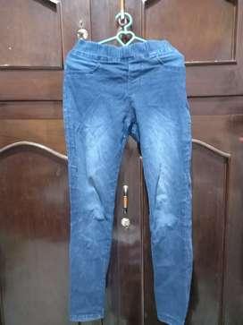 Celana Jeans Biru Dongker